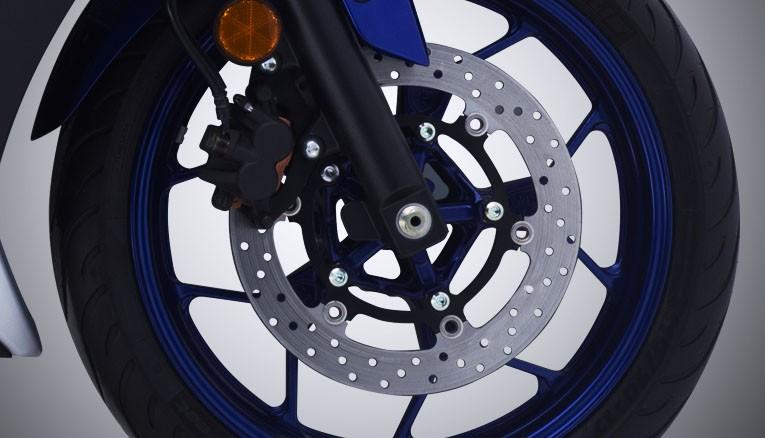 Xe Yamaha R3 sử dụng phuộc ống lồng truyền thống