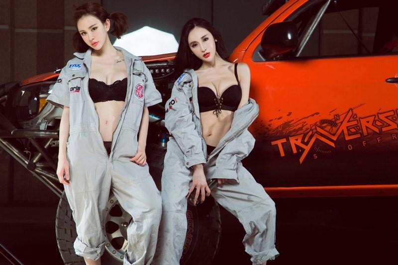 Chảy nước miếng với hai cô thợ sửa xe có thân hình cực nuột nà gợi cảm - 4