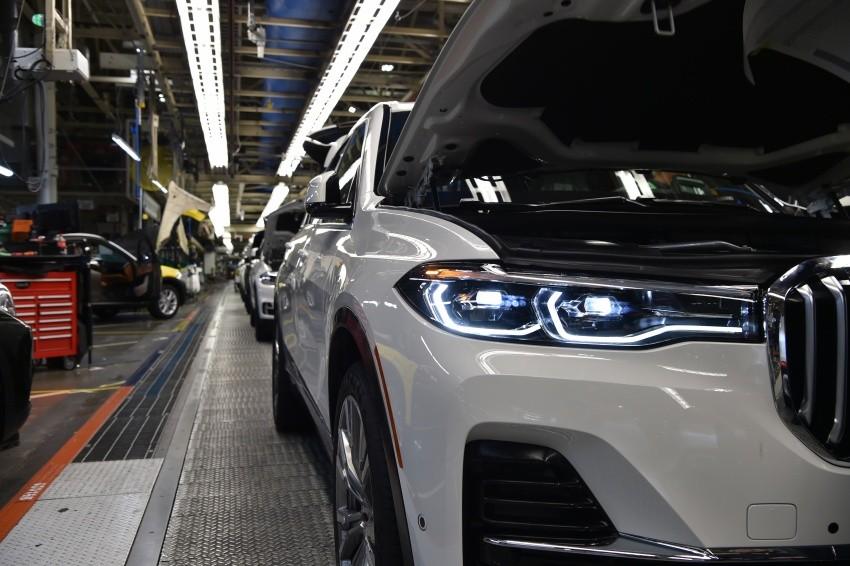 BMW X7 2019 lộ diện trong nhà máy