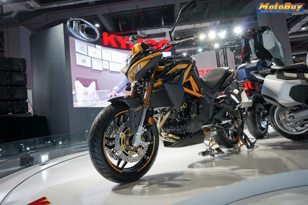 Kymco K-Rider 400 mang một số trang bị khá xịn xò như cặp phuộc ngược USD, phanh đĩa đôi trước ABS