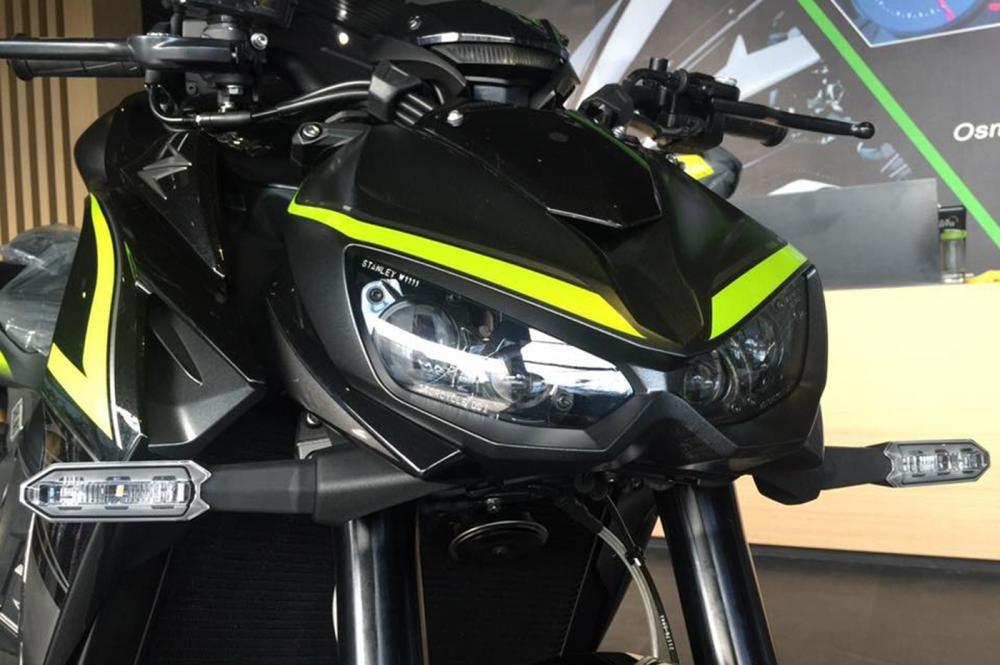 Đèn pha Kawasaki Z1000