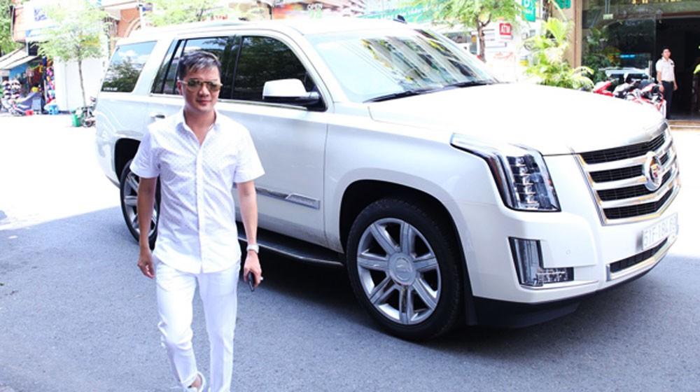 Chiếc Cadillac Escalade màu trắng của Đàm Vĩnh Hưng
