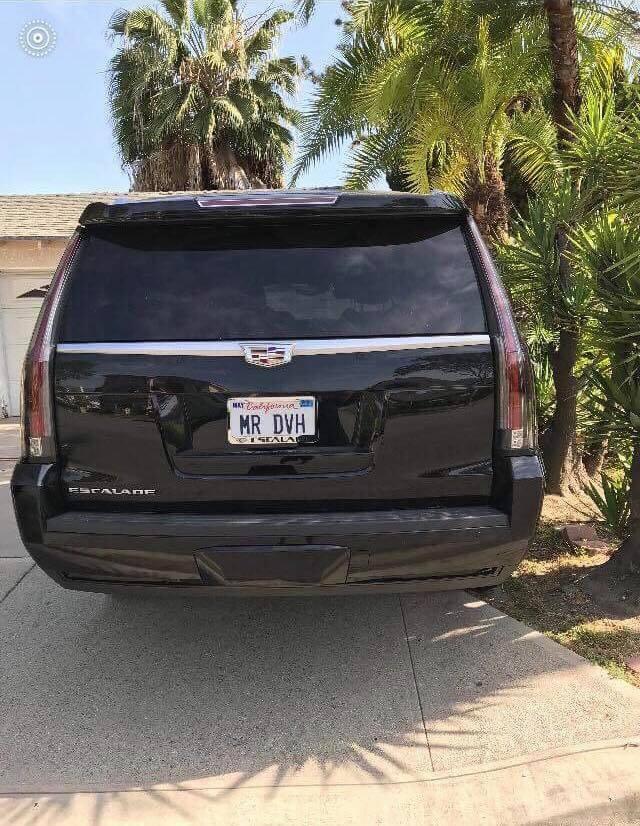 Đây có vẻ là chiếc Cadillac Escalade thứ hai của Đàm Vĩnh Hưng