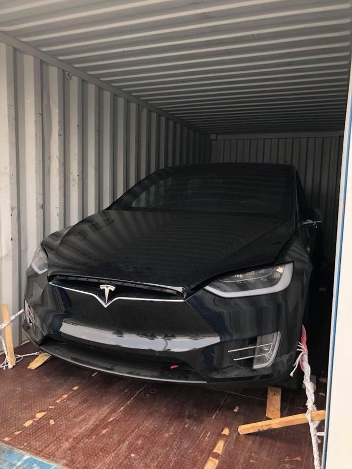 Đây là chiếc Tesla Model X P100D thứ 3 cập bến Việt Nam