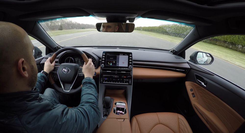 Nội thất bên trong Toyota Avalon 2019