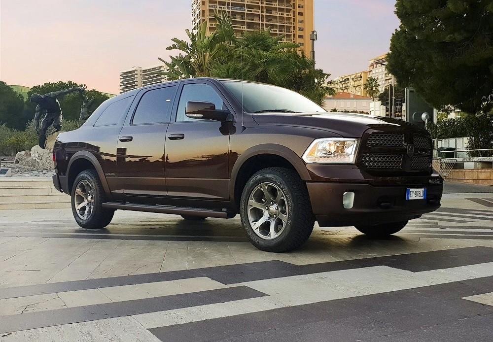 Aznom Atulux - Chiếc xe độ mang kiểu dáng không hẳn là bán tải, SUV hay sedan