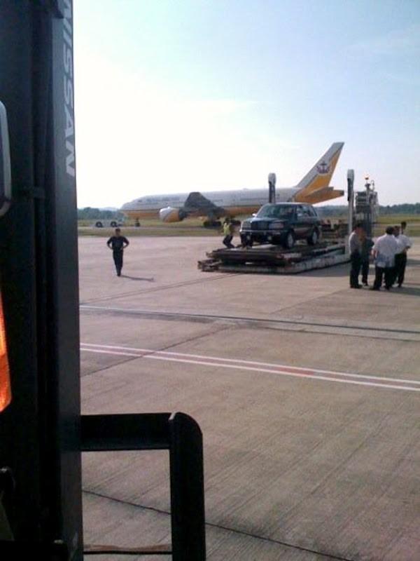 Bentley Dominator xuất hiện tại sân bay