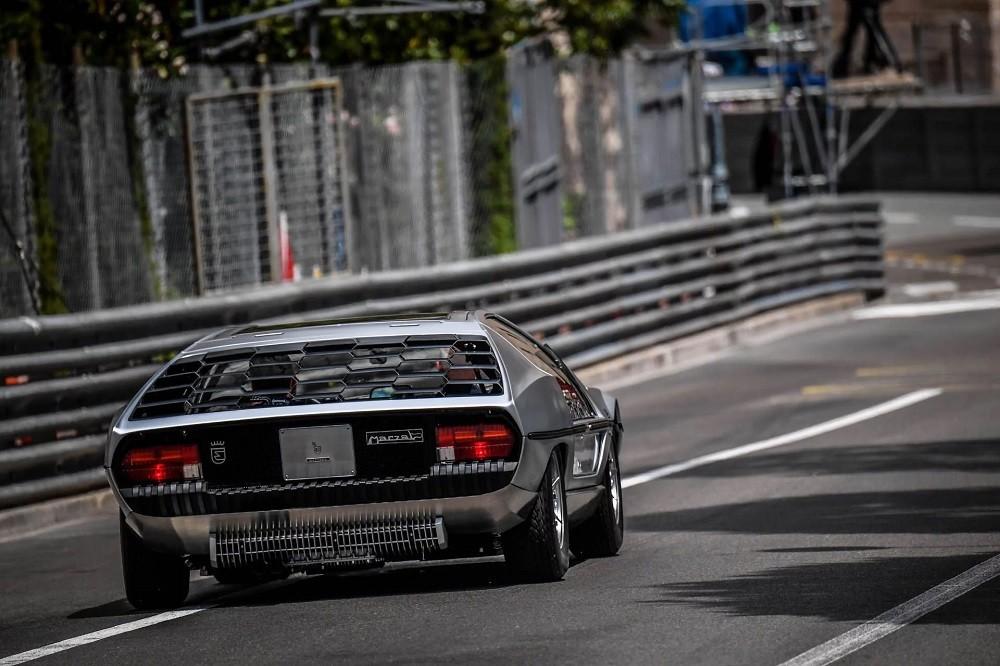 Cửa chớp phía sau của Lamborghini Marzal