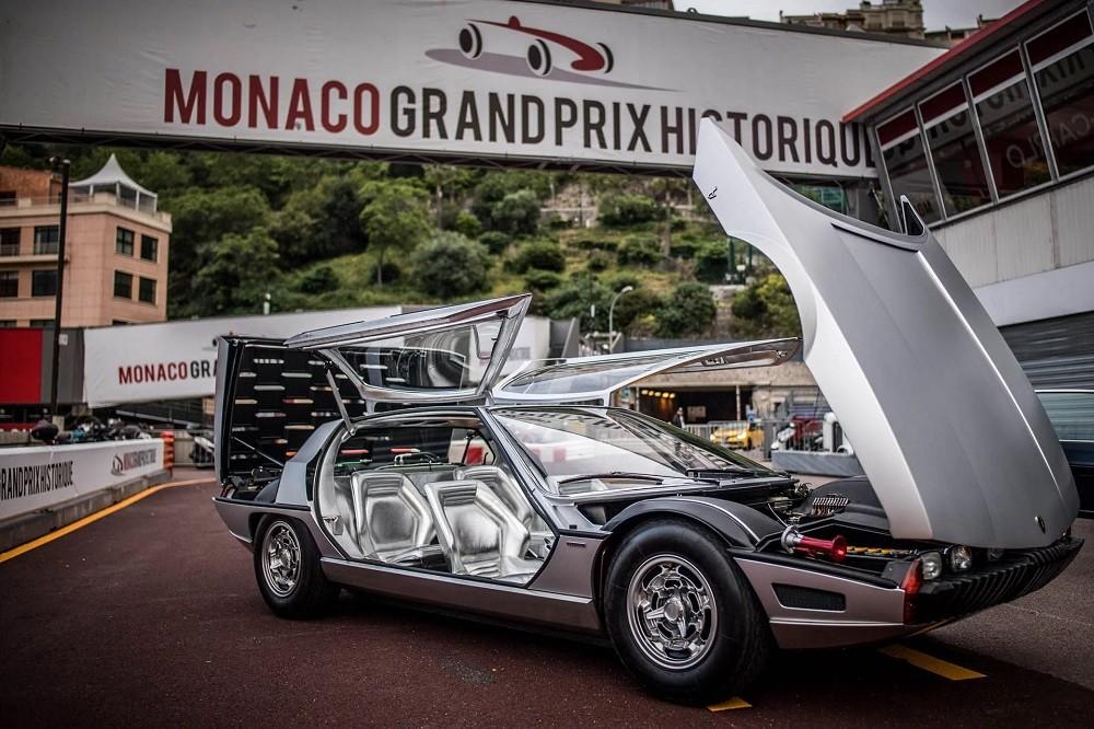 Lamborghini Marzal dùng động cơ 6 xi-lanh thẳng hàng, dung tích 2.0 lít