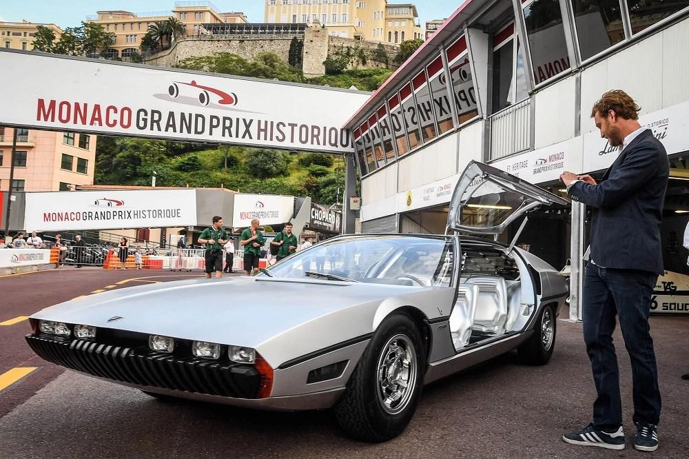 Lamborghini Marzal được trang bị cửa cánh chim ấn tượng