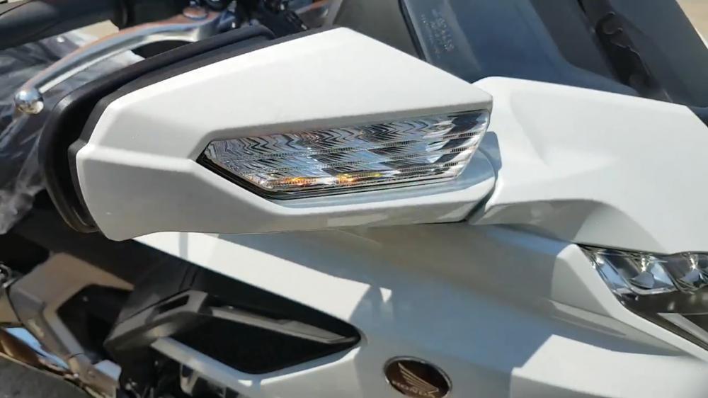 Đèn xi nhan Honda Gold Wing 2018