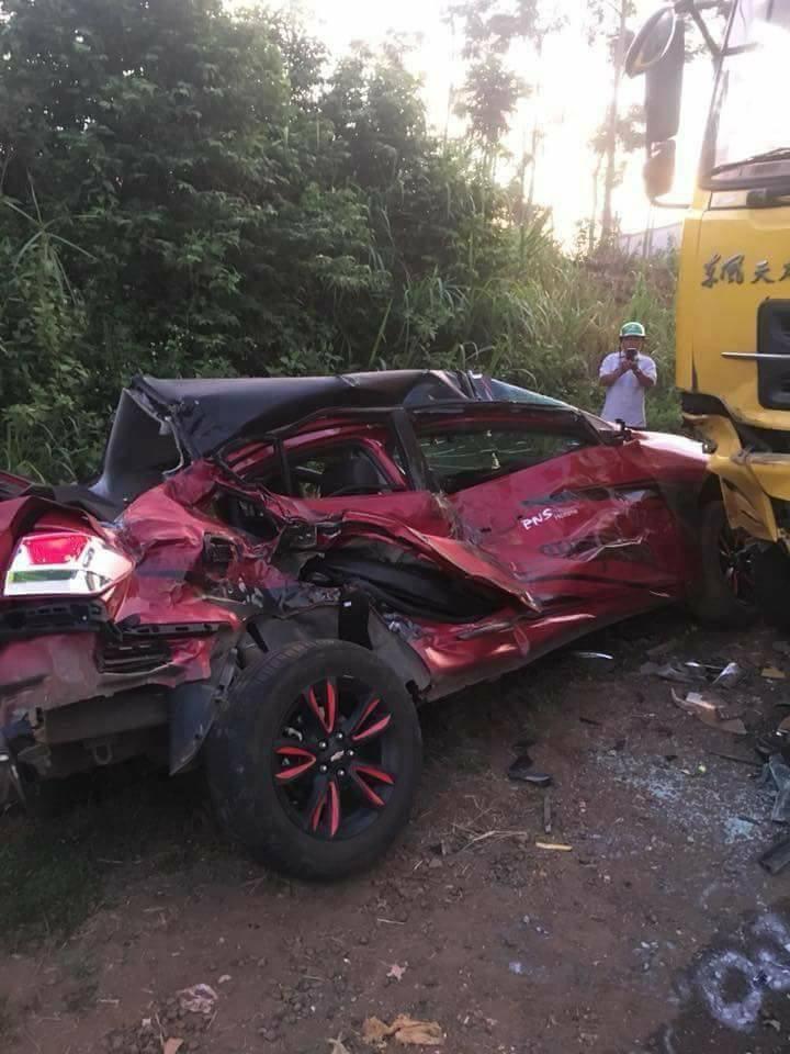 Chiếc Chevrolet Cruze đối đầu ô tô tải Đông Phong