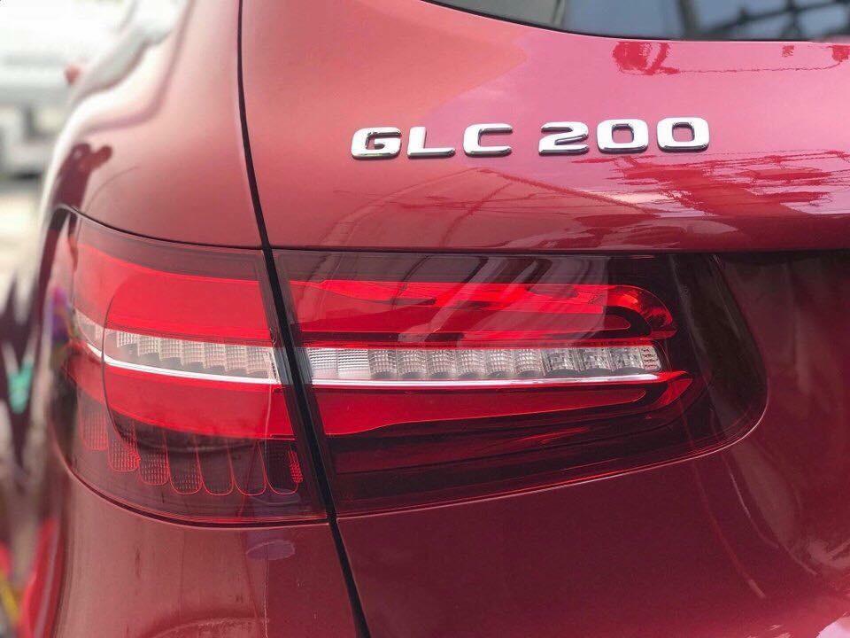 Mercedes-Benz GLC200 2018 dùng động cơ yếu hơn GLC250 4Matic