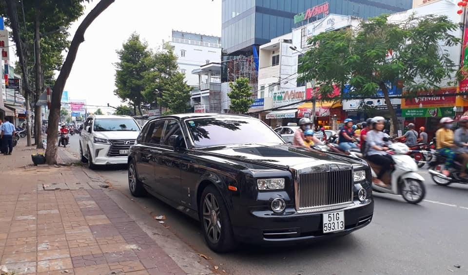 Rolls-Royce Phantom Year of the Dragon chỉ có 33 chiếc được sản xuất dành cho Trung Quốc