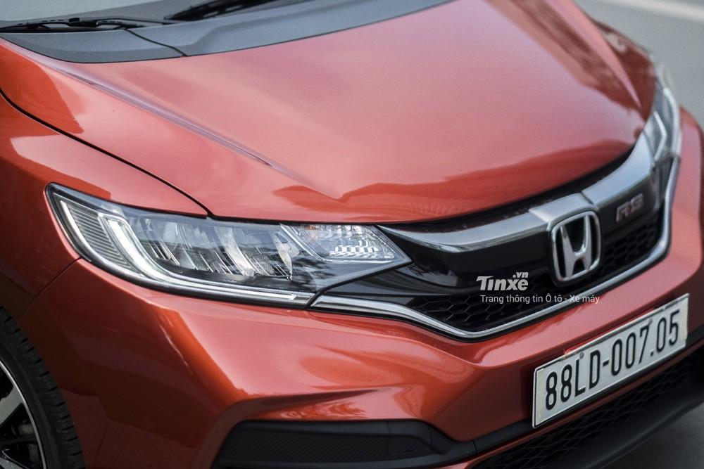 Honda Jazz RS được trang bị hệ thống đèn chiếu sáng dạng LED