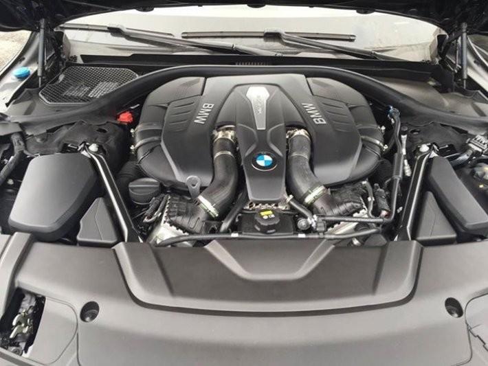 Trang bị Động cơ của BMW 7 Series