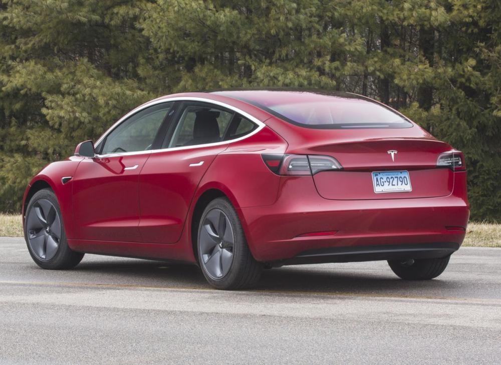 Đánh giá Tesla Model 3 có công suất tốt