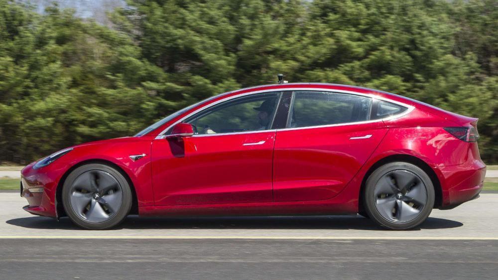 Khoảng cách phanh của Model 3 là rất dàidựa theo thử nghiệm của Consumer Reports