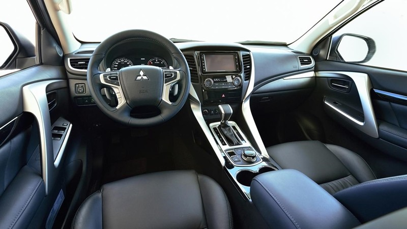 Thiết kế Nội thất của Mitsubishi Pajero Sport