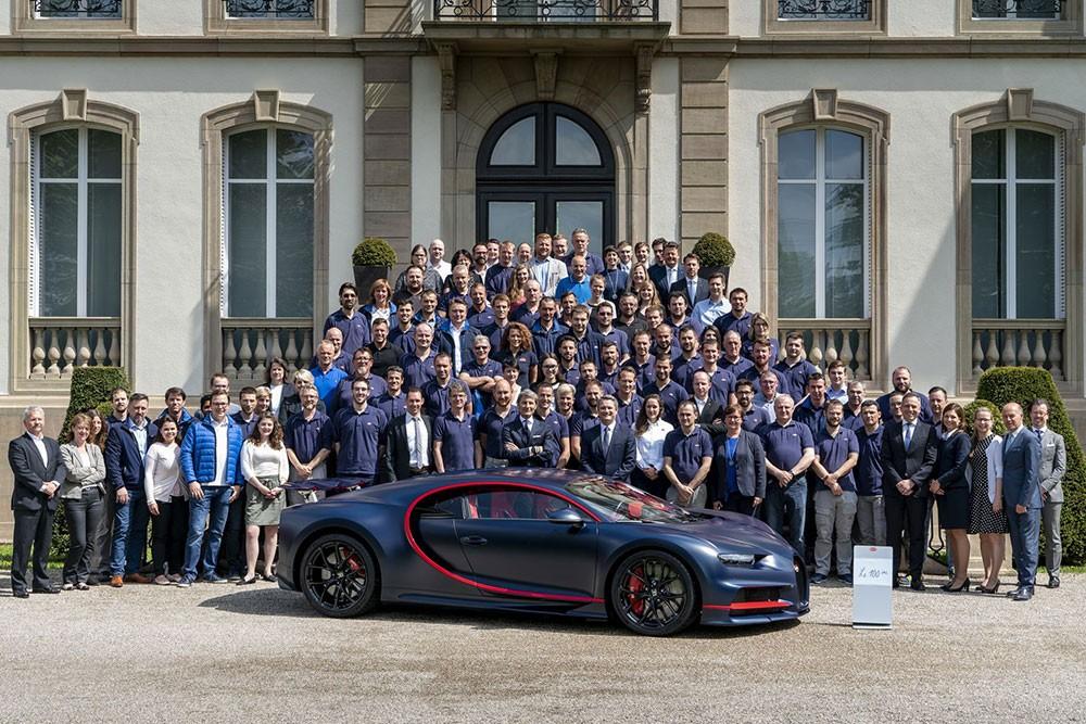Chiếc Bugatti Chiron thứ 100 xuất xưởng