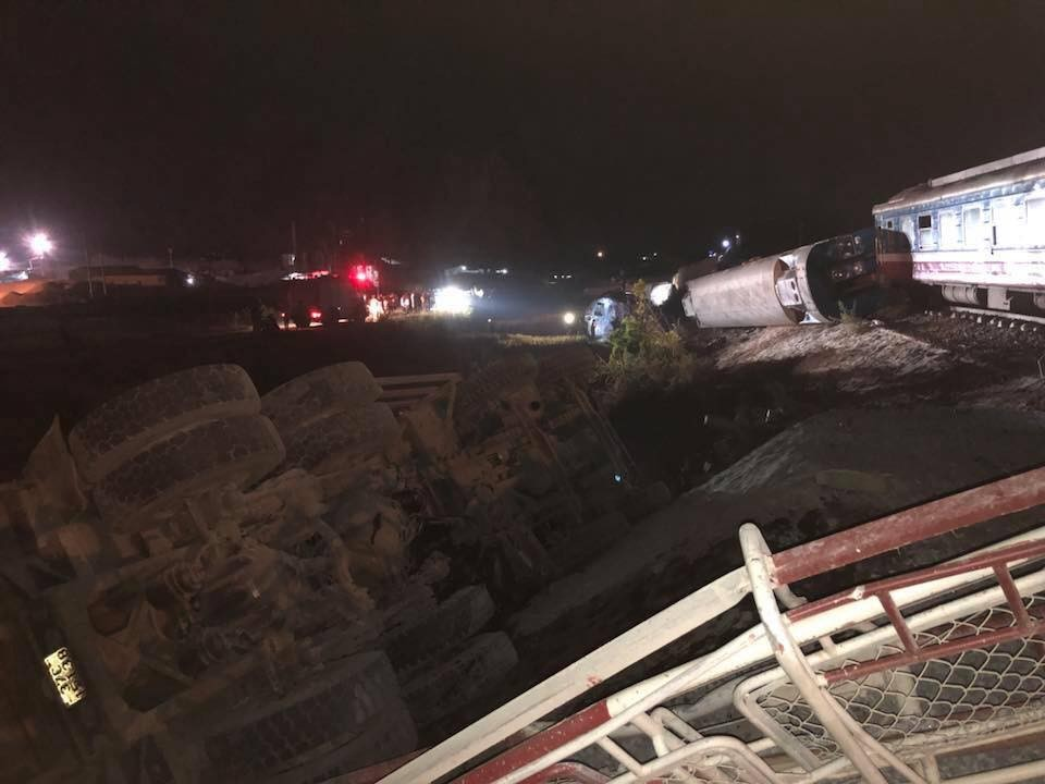 Hiện trường vụ tai nạn tàu hỏa vào lúc rạng sáng nay