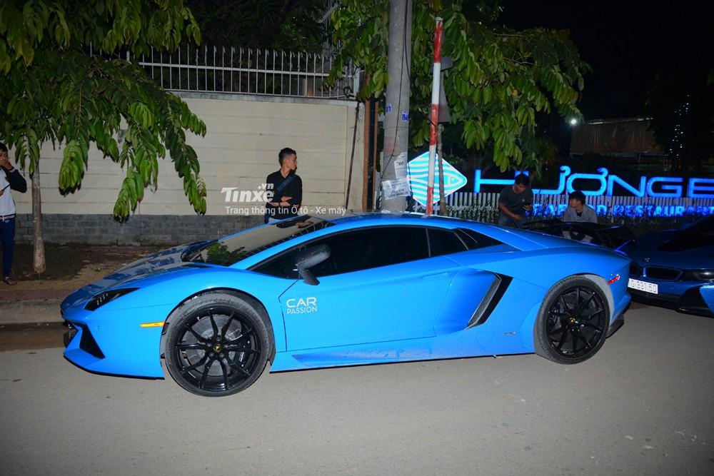 Lamborghini Aventador LP700-4 sử dụngđộng cơ V12, dung tích 6.5 lít, sản sinh công suất tối đa 700 mã lực và mô-men xoắn cực đại 690 Nm