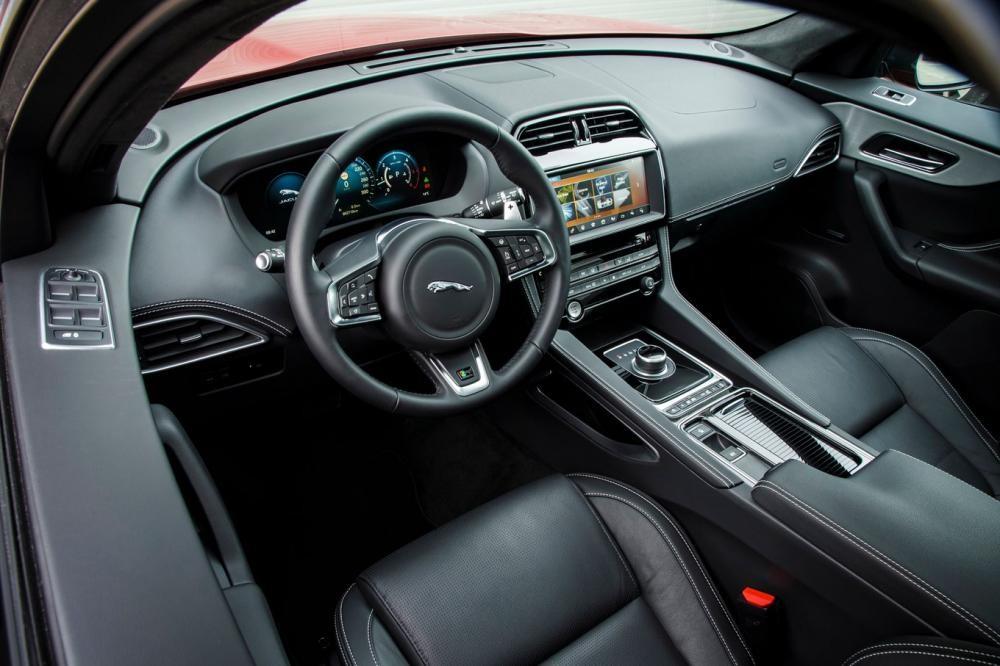 Nội thất của Jaguar F-Pace