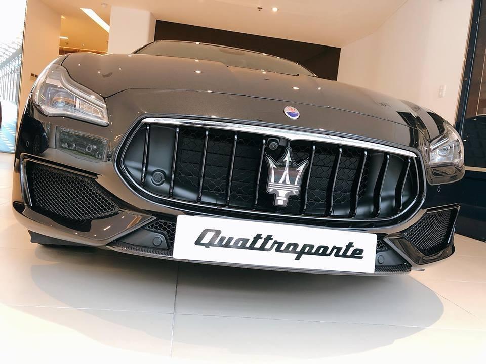 Đơn vị phân phối chính hãng dòng xe Maserati tại Việt Nam mớiđưa về nước chiếc sedanQuattroporte phiên bản cực hiếm Nerissimo Edition.