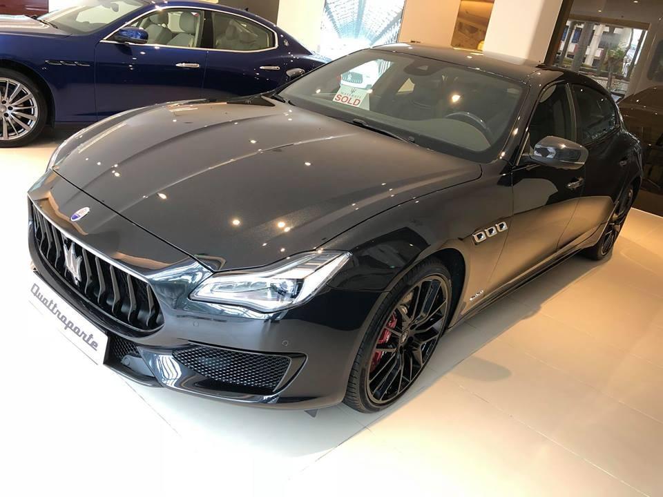 Sự xuất hiện của chiếc Maserati Quattroporte GTS Gransport Nerissimo Edition tại thị trường Việt Nam chỉ sau khoảng 2 tháng ra mắt các khách hàng trên thế giới khiến người mê xe khâm phục mức độ chịu chơi của chủ nhân chiếc sedan hàng hiếm này.