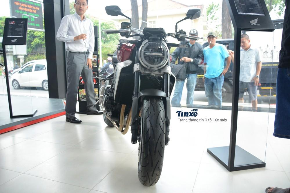 hệ thống phanh trên Honda CB1000R 2018