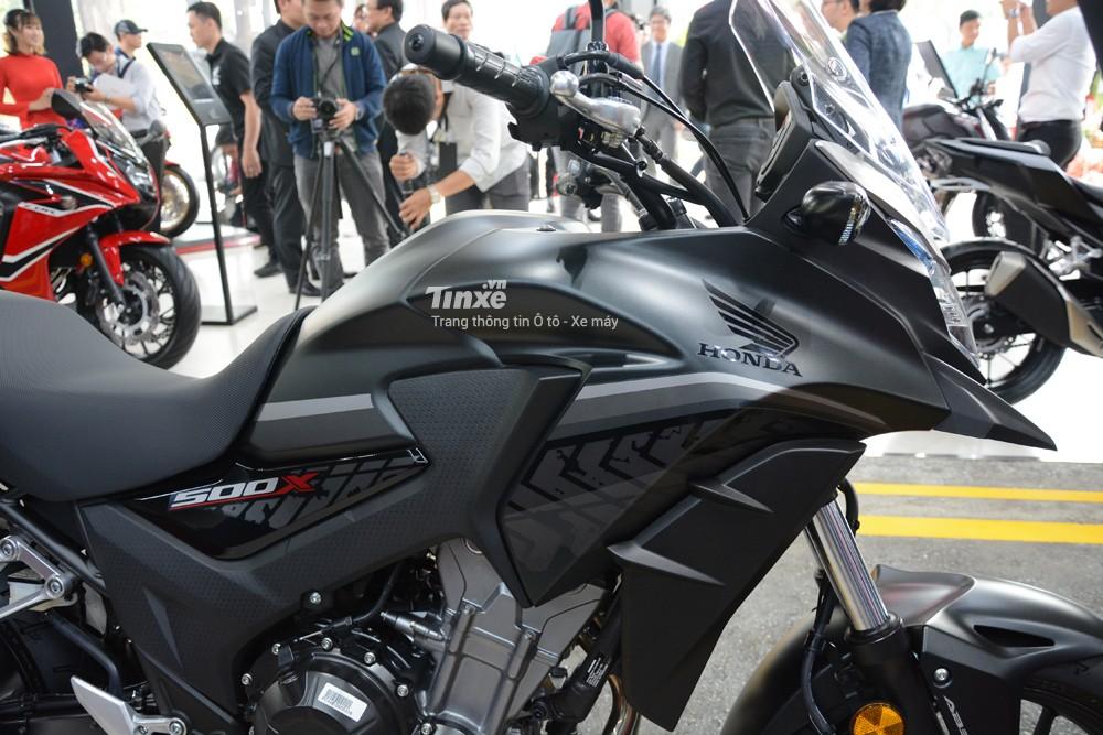 Honda CB500X 2018 di chuyển tốt trên mọi địa hình