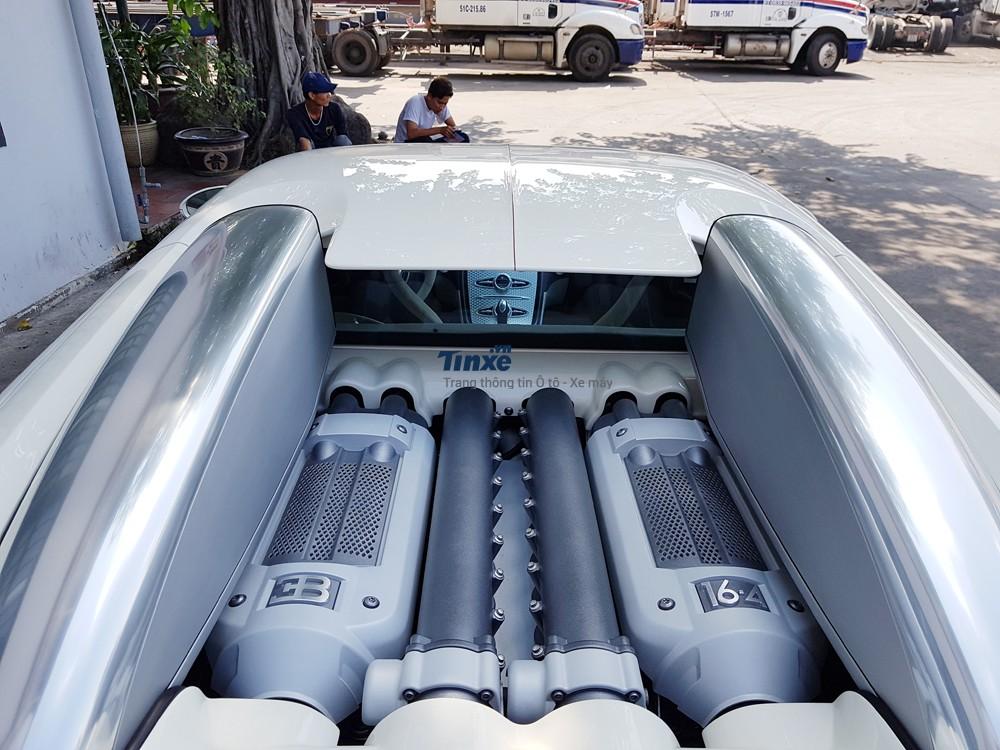 Với khối động cơ 16 xy-lanh xếp hình chữ W, dung tích 8 lít, sản sinh công suất tối đa 1.001 mã lực, cổ máy của Bugatti Veyron không dành cho số đông người mê tốc độ.
