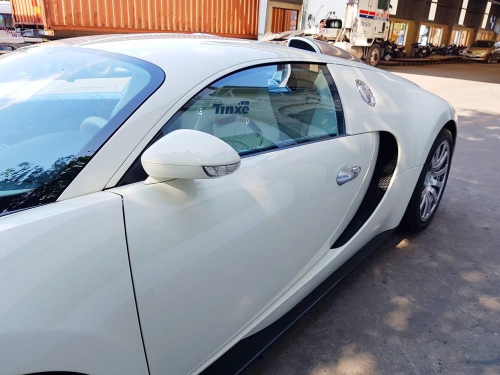 Sau khi về công ty nhập khẩu tư nhân quận 5, chiếc Bugatti Veyronđãđược một số thợ Nhật qua bảo dưỡng. Và phải mất 20 tháng mới tìm thấy người mua mới là Chủ tịch Trung Nguyên.