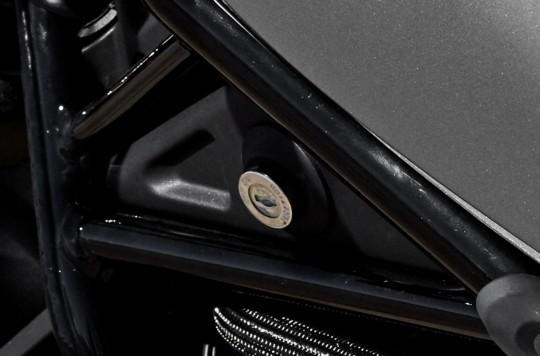 Thiết kế Ổ khóa điện của Honda Rebel 300