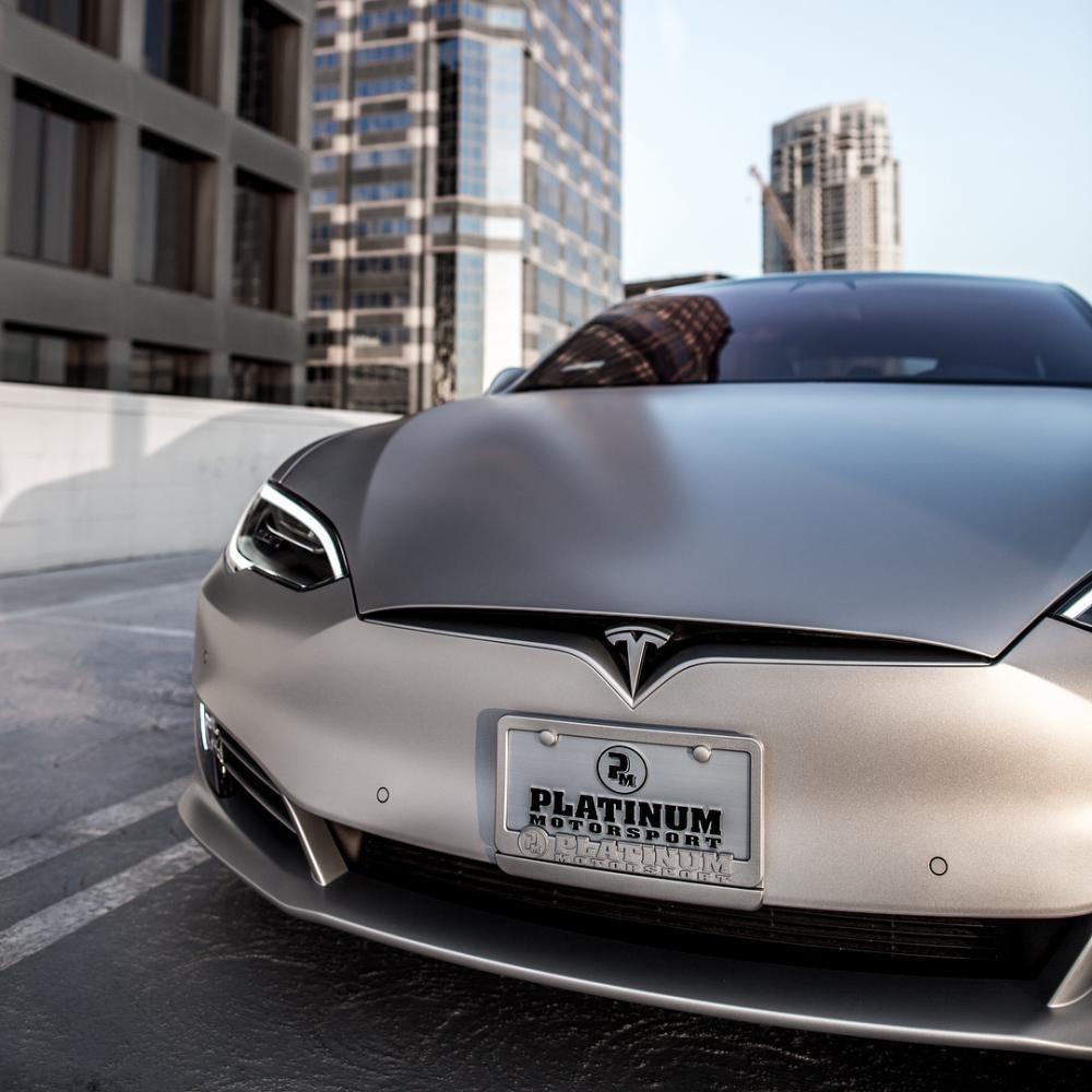 Tesla Model S P100D được trang bị đèn pha LED tiêu chuẩn