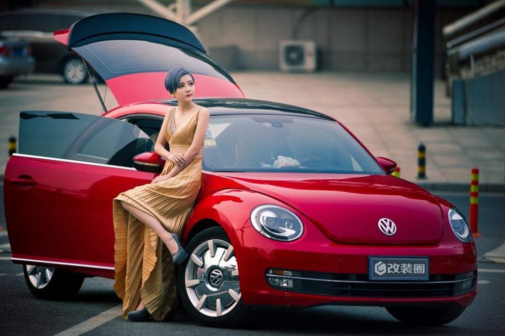 Ngắm hot girl A Chước tạo dáng thiết tha, xinh như tiên nữ bên Volkswagen Beetle - 11