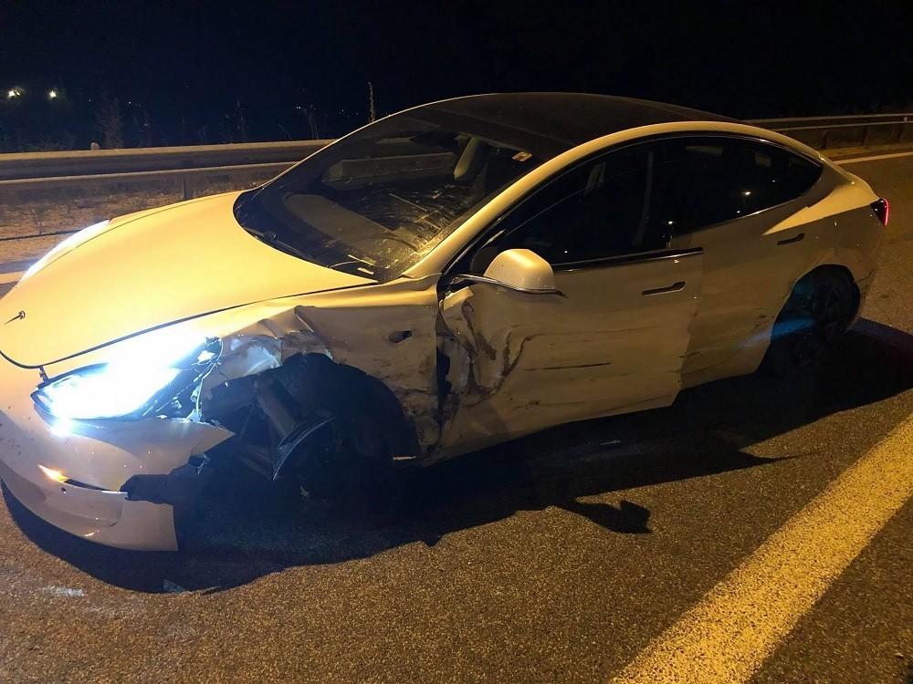 Hiện trường vụ tai nạn của chiếc Tesla Model 3