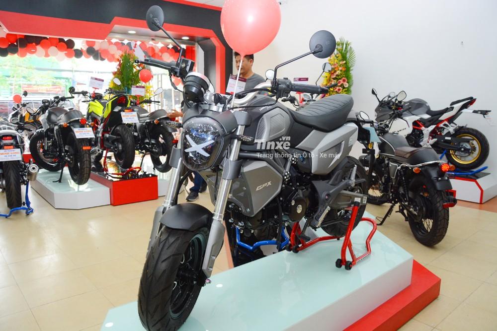 Trong cuộc xâm lược thị trường xe máy tại Việt Nam, thương hiệu xeThái Lan GPX Racingđemđến 6 phiên bản khác nhau. Trongđó, chiếc Demon X có giá bán thấp nhất so với các dòng xe còn lại. Mẫu xe minibikeđược chào bán chính hãng với mức giá 40 triệuĐồng.