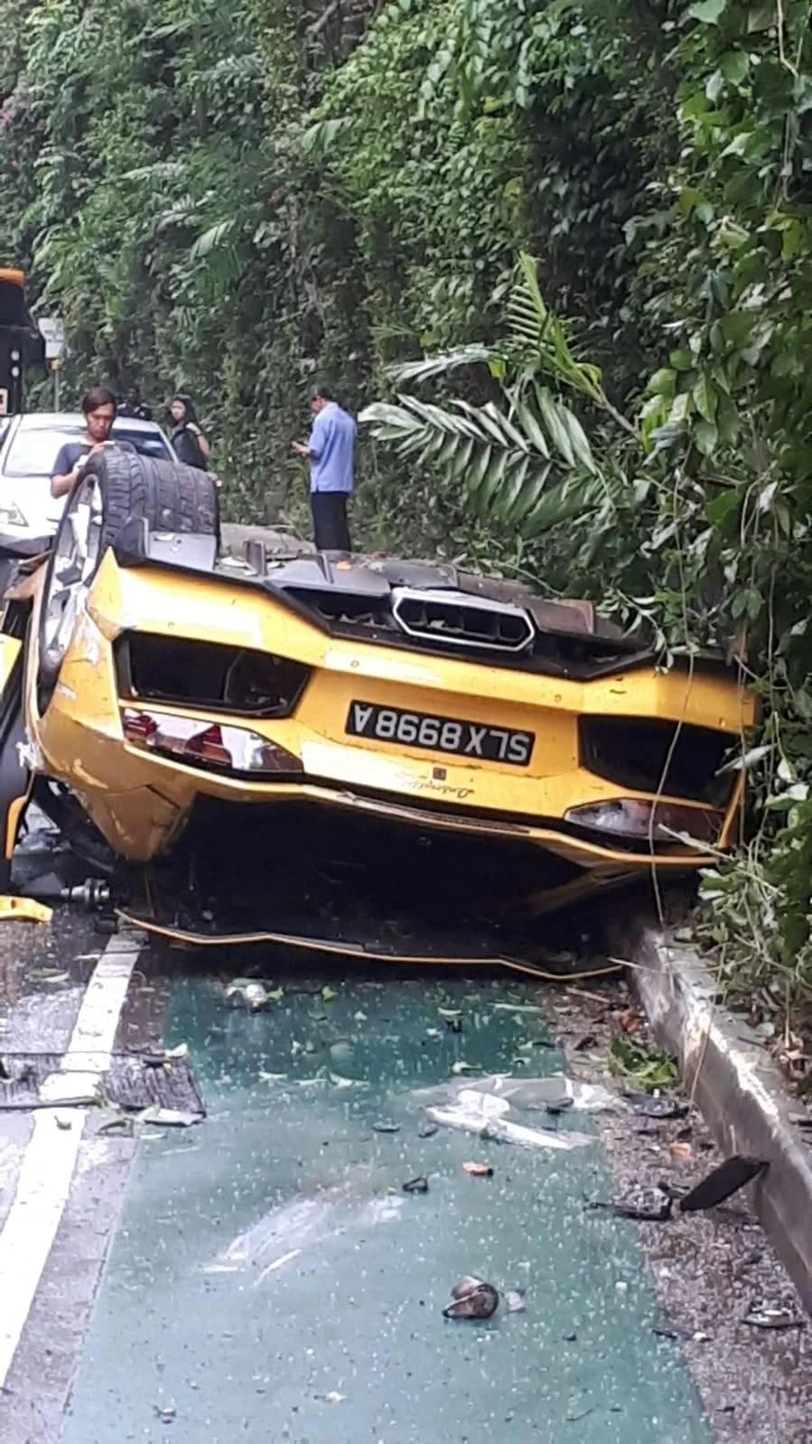 Chiếc Lamborghini Aventador bị hỏng khá nặng sau tai nạn