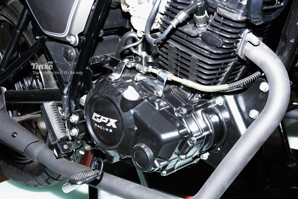 GPX Legend 150Ssử dụng động cơ xi lanh đơn, 4 kỳ, SOHC, làm mát bằng không khí, dung tích 150 phânkhối