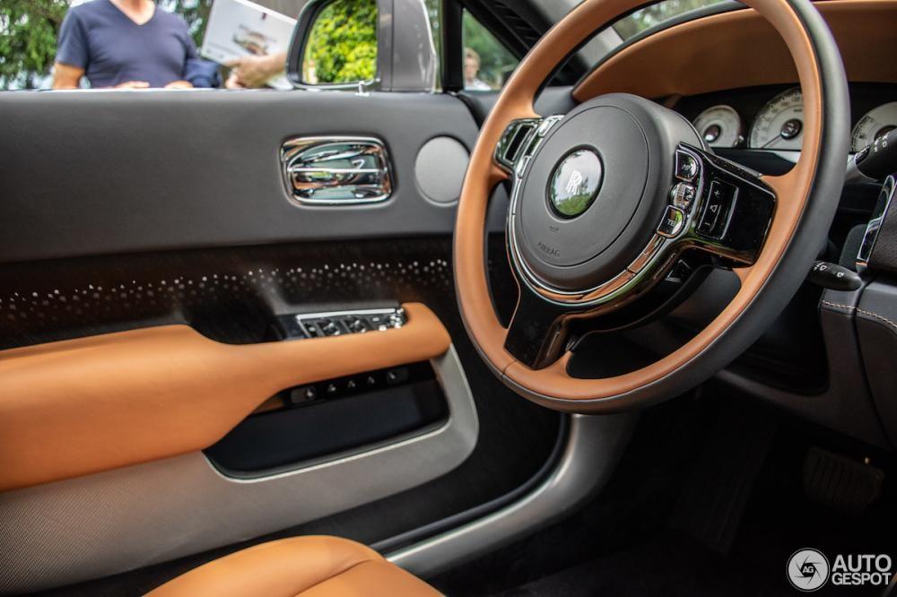 Vô lăng phối 2 màu của Rolls-Royce Wraith Luminary Collection
