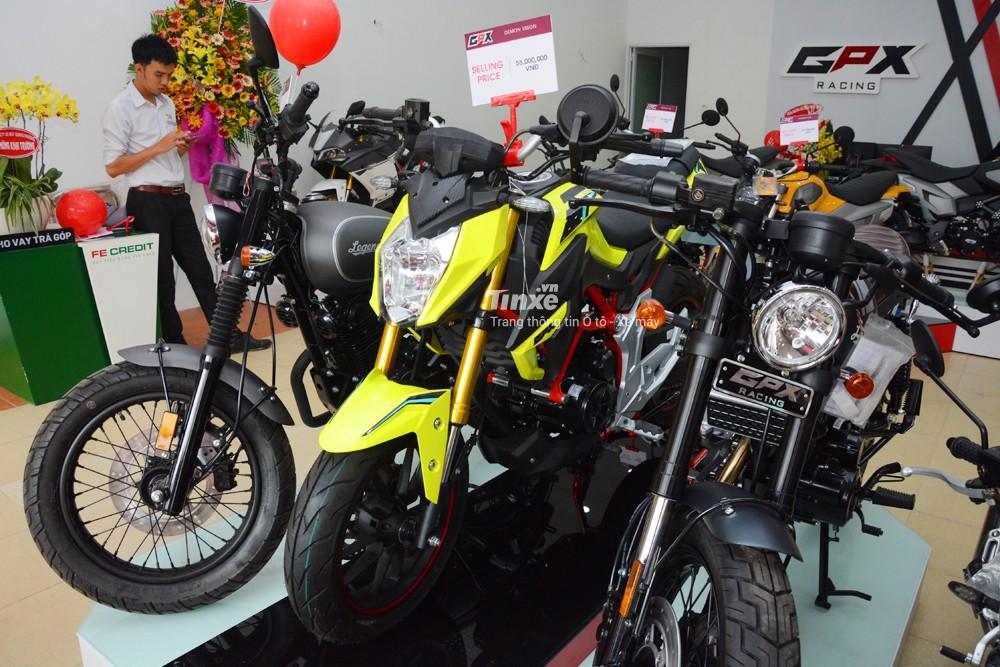 Trong dòng sản phẩm Demon, hãng GPX tung ra các phiên bản như sport bike cỡ nhỏ với sự xuất hiện của Demon 150GR, minibike với Demon X 125 cạnh tranh cùng Honda MSX 125 và cuối cùng là chiếc naked bike cỡ nhỏ Demon 150GN