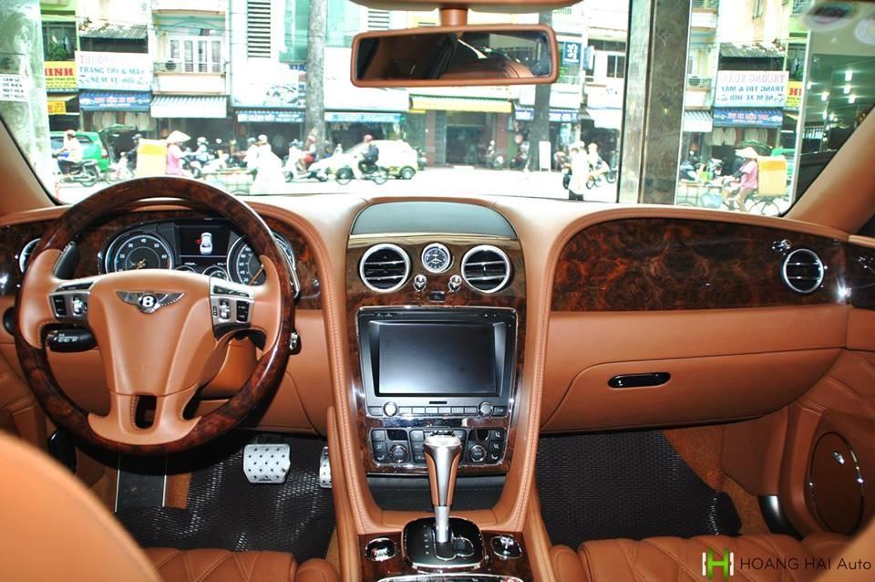Bentley Flying Spur V8 biển số tứ quý 6đangđược một công ty nhập khẩu tư nhân quận 5 rao bánđược sản xuấtcuối năm 2015 và sốVIN của năm 2016