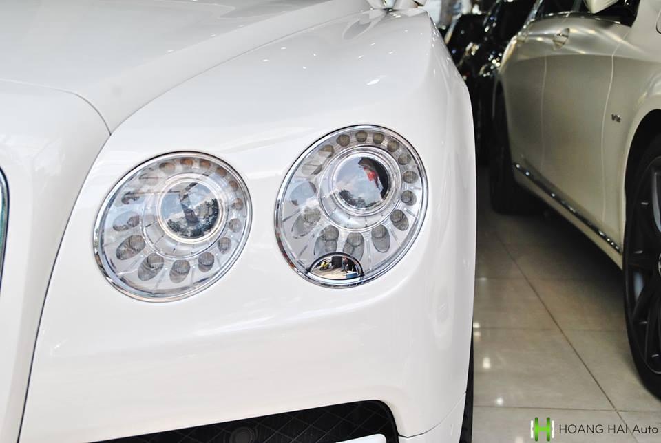 Ngoại thất xesiêu sang Bentley biển cực đẹp tứ quý 6 đang được rao bán mang màu trắngGlacier