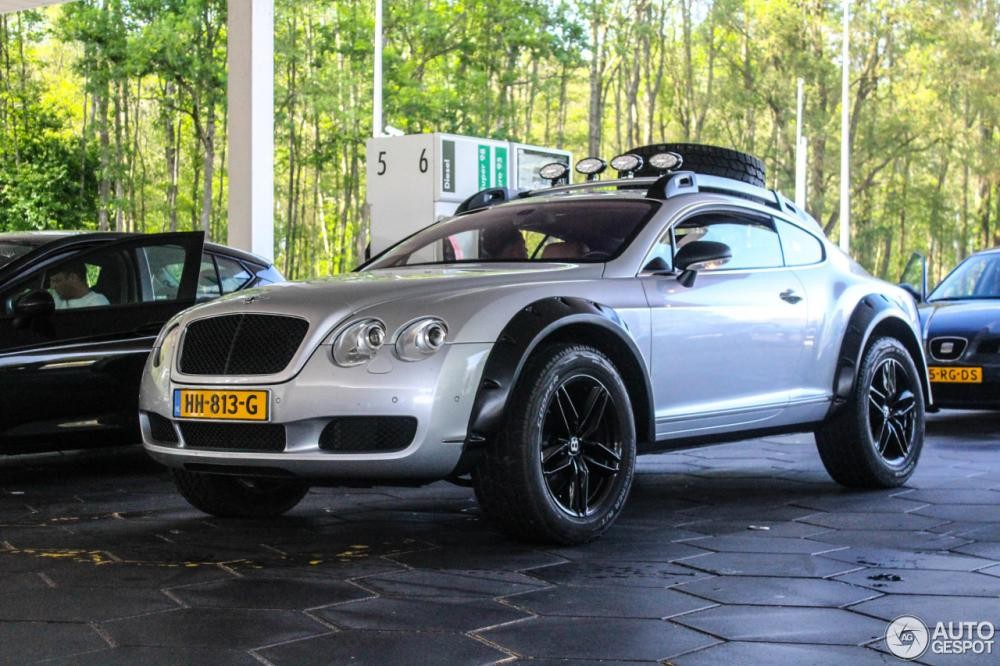 Bentley Continental GT độ theo phong cách off-road bị bắt gặp ngoài đường
