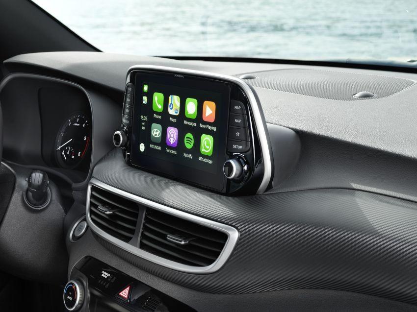 Màn hình tương thích với Apple CarPlay và Android Auto