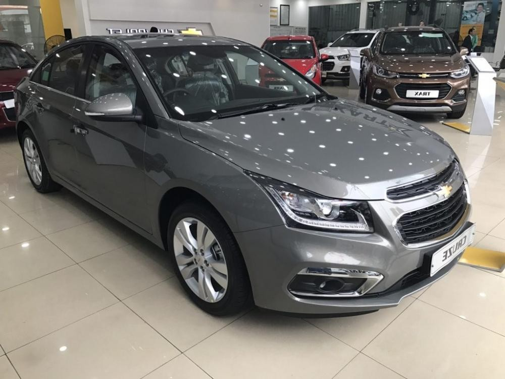 Chevrolet Cruze 2018 màu nâu