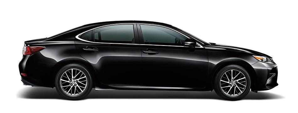 Mẫu Lexus ES màu đen