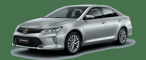 Mẫu Toyota Camry màu bạc