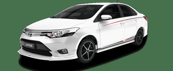 Mẫu Toyota Vios TRD màu trắng